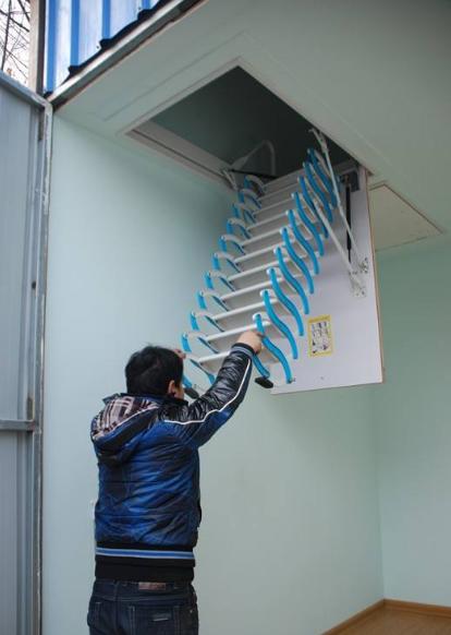 室内电动阁楼楼梯安装方法